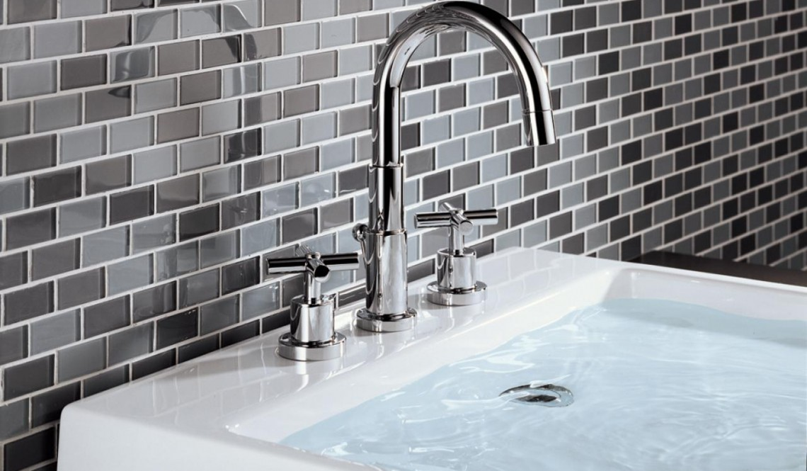 How to Pick Bathroom Faucets