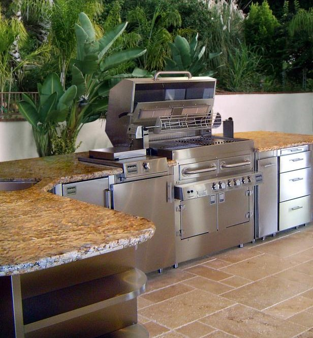 10 Tips for a better Outdoor Kitchen Design - KGT Remodeling